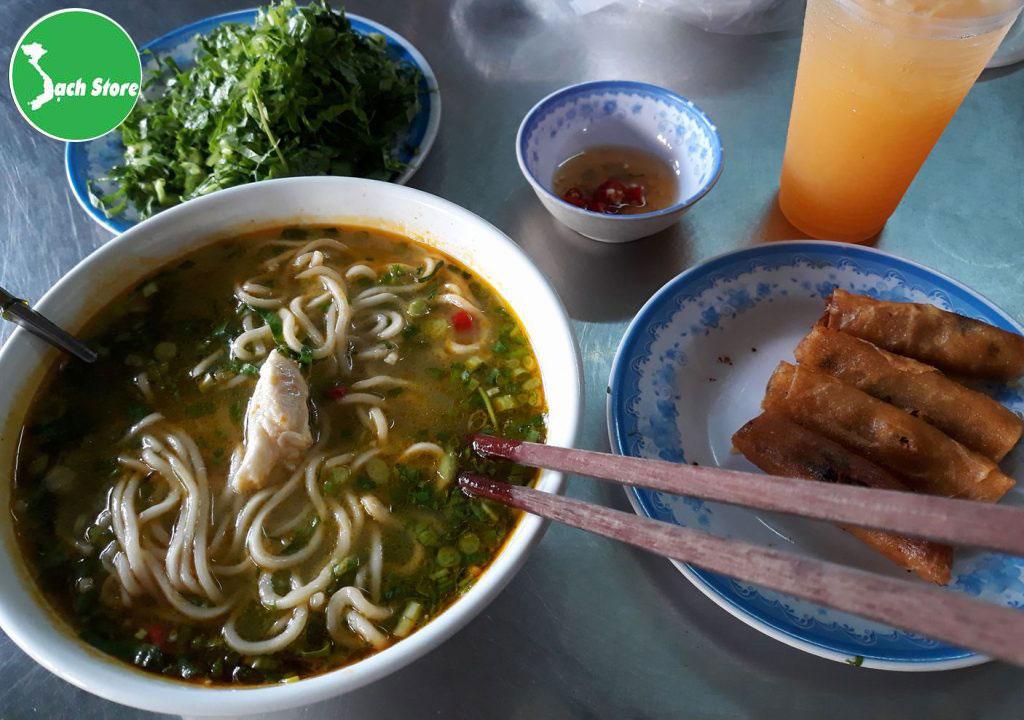 top 10 dac san que huong Quang Binh